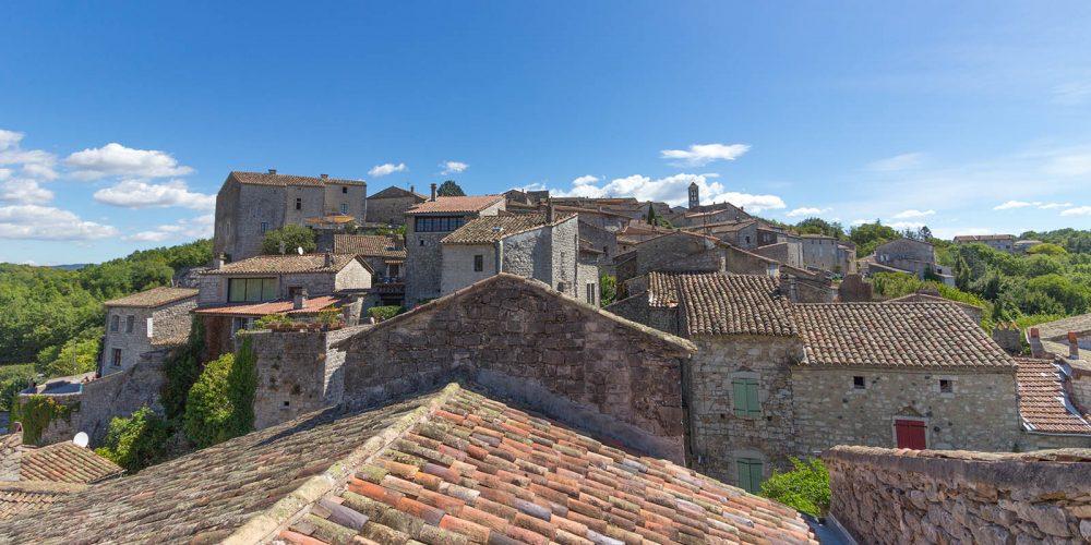 180 Balazuc Ardèche gîte charme vue panoramique jacuzzi plus beaux villages de France village de caractère