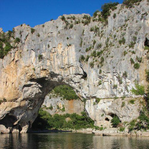 180 Balazuc Ardèche gîte charme vue panoramique jacuzzi pont d arc