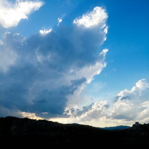 180 Balazuc Ardèche gîte charme vue panoramique jacuzzi terrasse tour reine jeanne